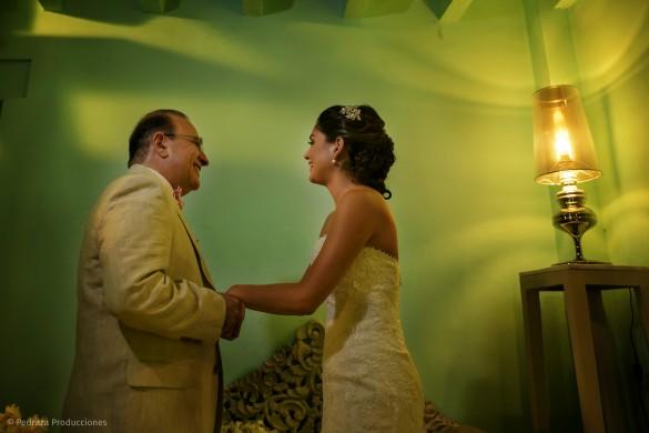 carolina-y-anibal-fotografia-bodas-015-pedraza-producciones