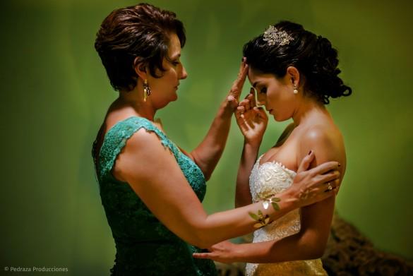 carolina-y-anibal-fotografia-bodas-016-pedraza-producciones