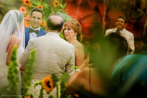 carolina-y-anibal-fotografia-bodas-028-pedraza-producciones