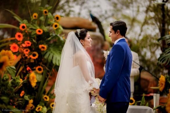 carolina-y-anibal-fotografia-bodas-030-pedraza-producciones