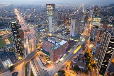 hotel-tequendama-bogota-vista-aerea-torre-colpatria-dia-001